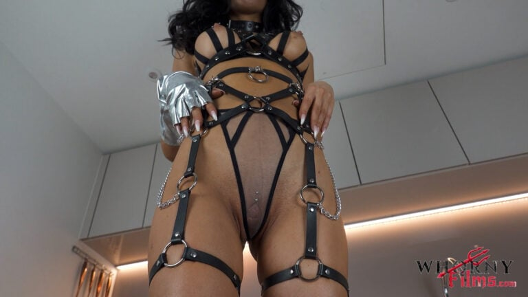 CHAINED.00 00 01 21.Still002